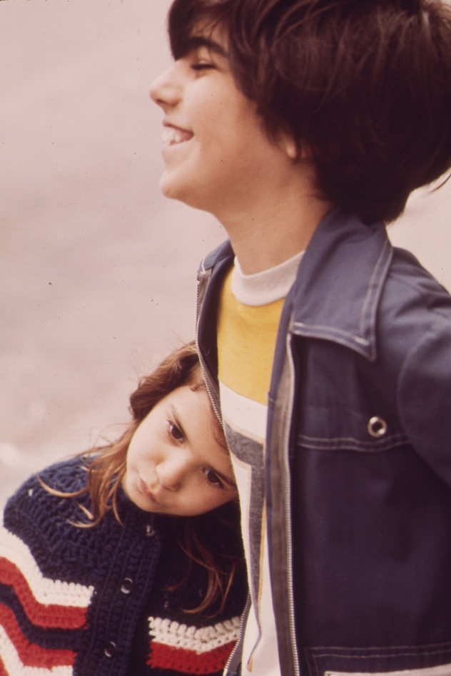Gen-Xers in NYC, 1973 | A brother and his little sister, Gen-Xers, New York, 1973