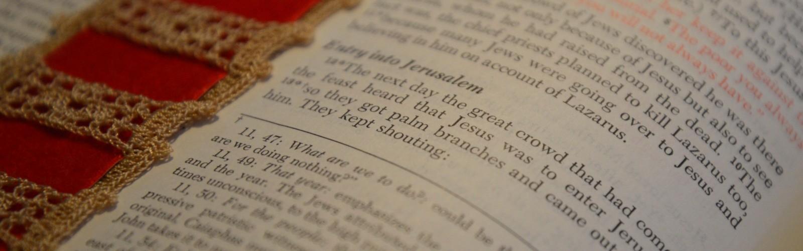 Lean Into Jesus: Palm Sunday Devotional (Vintage Pics)
