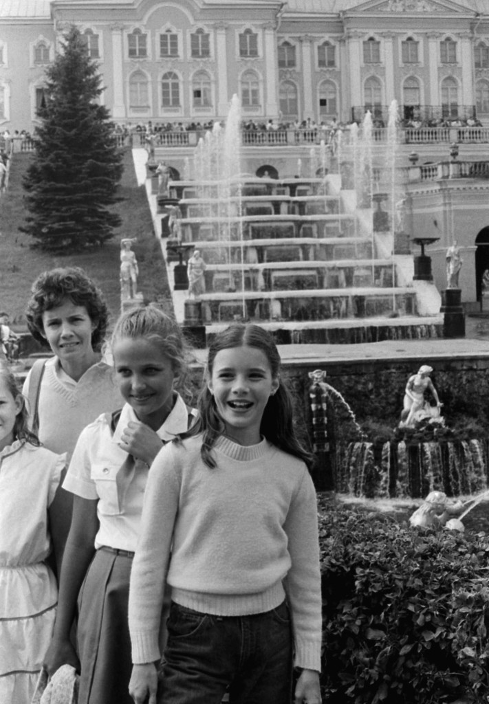 Samantha Smith, of Maine visiting the Soviet Union at the invitation of Yuri Andropov, visited Petrodvorets near Leningrad Saturday, July 17, 1983 with her friend Natasha Kasharina. (AP Photo).