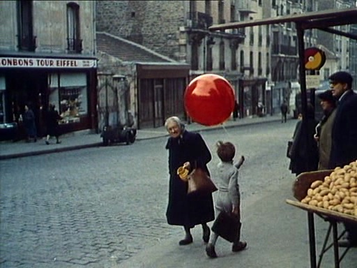 Red Balloon Movie Filmed by the Eiffel Tower in Paris