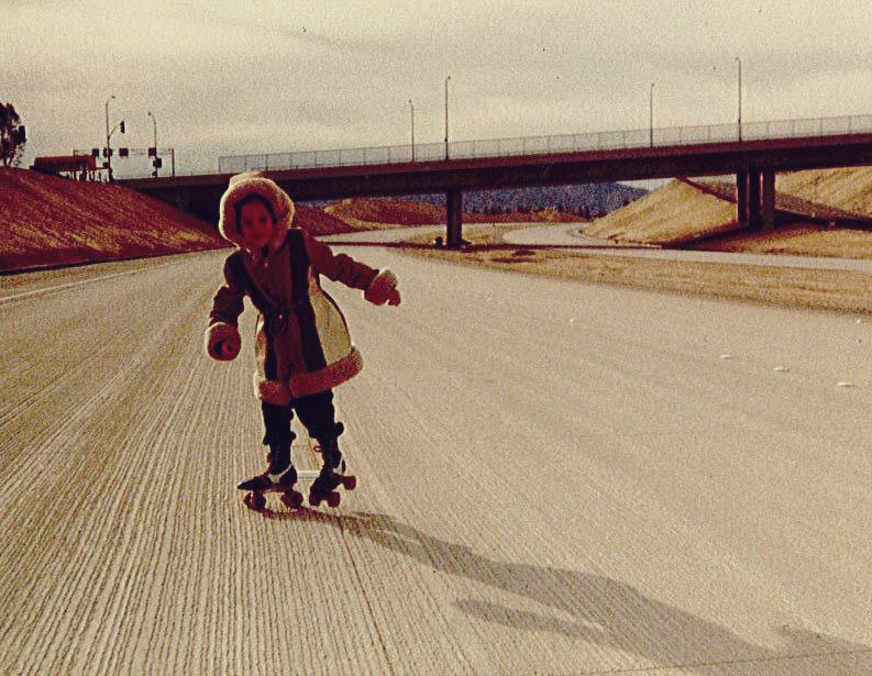 Rachel lived on San Fernando Mission Boulevard and Reseda. She roller skated on SR 118 before it became busy with traffic.