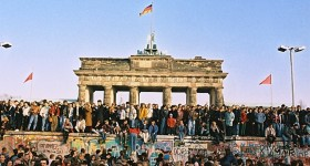 25th Anniversary: Fall of the Berlin Wall, Google Doodle
